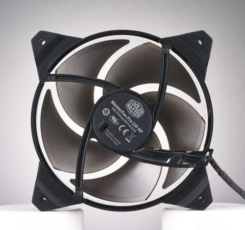 Cooler Master - MasterFan Pro