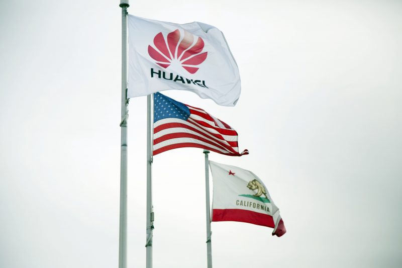 Huawei-flag-with-USA-flag-and-California-state-flag