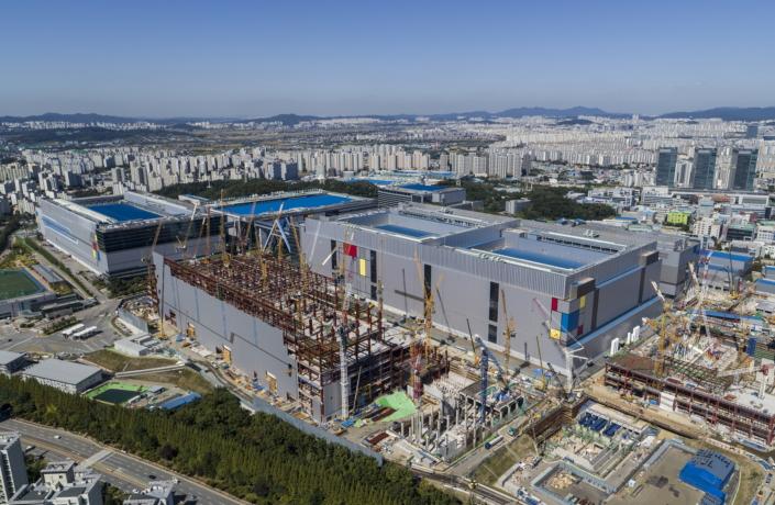 Samsung-EUV-Line_main